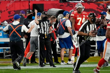 Official Sarah Thomas works on her crew during the first half of the NFL Super Bowl 55 football game, between the Kansas City Chiefs and the Tampa Bay Buccaneers, in Tampa, Fla