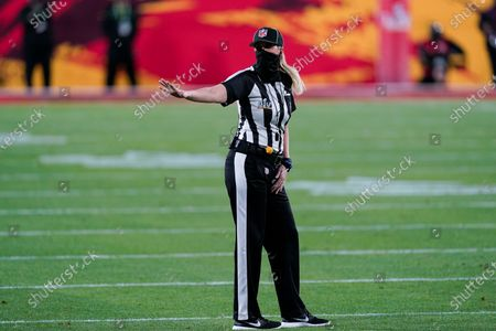 Line judge Sarah Thomas (53) works during the first half of the NFL Super Bowl 55 football game between the Kansas City Chiefs and the Tampa Bay Buccaneers, in Tampa, Fla