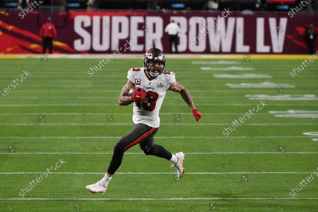 Tampa Bay Buccaneers Mike Evans (13) rushes in the second quarter of Super Bowl LV against the Kansas City Chiefs at Raymond James Stadium