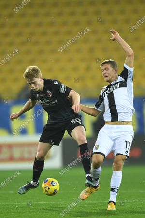 """Jerdy Schouten (Bologna)Andreas Evald Cornelius (Parma)           during the Italian """"Serie A  match between Parma 0-3 Bologna at  Ennio Tardini Stadium in Parma, Italy."""