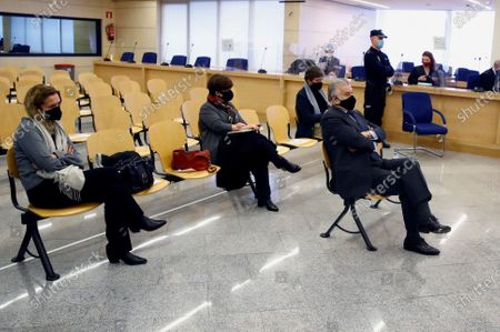 Former treasurer of Spain's Popular Party (PP) Luis Barcenas (C) sits in the dock at the start of the first session of a trial over the Partido Popular (PP) alleged illegal funding at Spanish National Court in San Fernando de Henares, Madrid, central Spain, 08 February 2021. Barcenas, the main accused party, the previous week sent prosecutors a letter expressing his 'desire to cooperate with the justice system'. These Barcena's new revelations could affect the outcome of the trial starting on 08 February, probing an alleged illegal funding system run by the conservative group since 1982. Jose Maria Aznar and Mariano Rajoy, two former prime ministers who served at the time when the PP was allegedly running this parallel accounting system, will appear in court as witnesses.