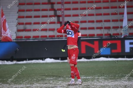 Kortrijk's Trent Sainsbury looks dejected after missing the deciding penalty during the shootout at a soccer game between KV Kortrijk and Standard de Liege (both from 1A first division), Tuesday 09 February 2021 in Kortrijk, in the 1/8 finals of the 'Croky Cup' Belgian cup.