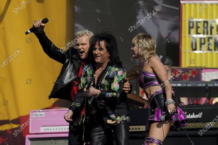 Stock Photo of Miley Cyrus performs with Billy Idol at the TikTok Tailgate concert for local medical personnel, in Tampa, Fla