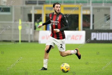 Davide Calabria of AC Milan in action during the Serie A match between AC Milan  and FC Crotone at Stadio Giuseppe Meazza on February 07, 2021 in Milan, Italy. (Photo by Giuseppe Cottini/NurPhoto)