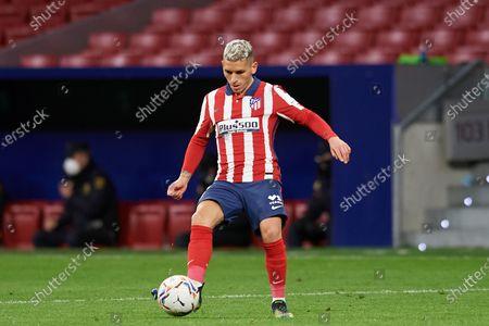 Lucas Torreira of Atletico Madrid controls the ball