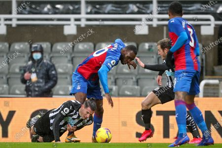 Christian Benteke of Crystal Palace battles for possession with Newcastle United's Fabian Schar   during the Premier League match between Newcastle United and Crystal Palace at St. James's Park, Newcastle on Tuesday 2nd February 2021.  (Photo by Mark Fletcher/MI News/NurPhoto)