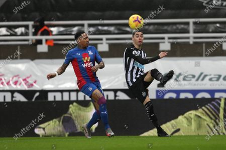 Nathaniel Clyne of Crystal Palace in action with Newcastle United's Miguel Almiron  during the Premier League match between Newcastle United and Crystal Palace at St. James's Park, Newcastle on Tuesday 2nd February 2021.  (Photo by Mark Fletcher/MI News/NurPhoto)