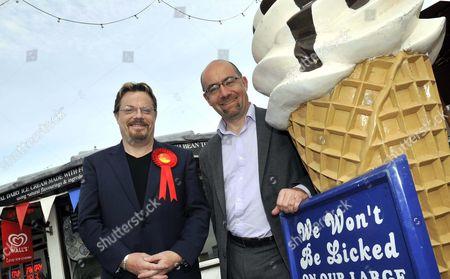 Eddie Izzard and Labour MP Jim Knight
