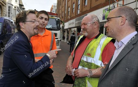 The refuse collectors with Eddie Izzard and Jim Knight