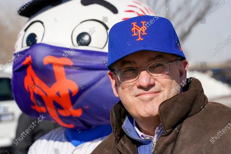 Stock Image of New York Mets owner Steve Cohen attends a news conference at a COVID-19 vaccination site at Citi Field, the home of the Mets, in the Queens borough of New York
