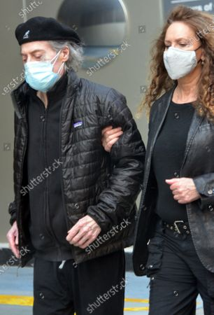 Exclusive - Richard Lewis and Joyce Lapinsky seen wearing their masks in Beverly Hills