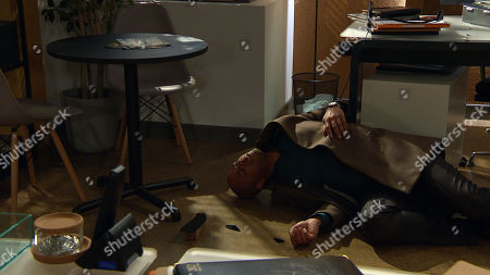 Emmerdale - Ep 8985 Thursday 4th March 2021 - 1st ep Charity Dingle breaks into the HOP office in an attempt to steal a client's contact to get back into Chas' goodbooks. Al Grant, as played by Michael Wildman, catches Charity red-handed and tempting to distract him, she throws the trophy from his business award in the air and runs for it. As Al leaps to catch his trophy, he falls, banging his head, and drops to the floor. Charity stares at him, unsure what to do...