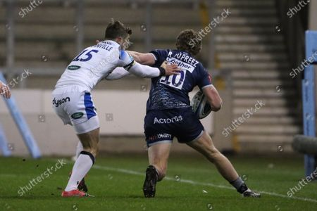 Sale Sharks Robert Du Preez hands off Bath's Tom de Glanville  during the Gallagher Premiership Rugby match between Sale Sharks and Bath Rugby at the AJ Bell Stadium, Eccles