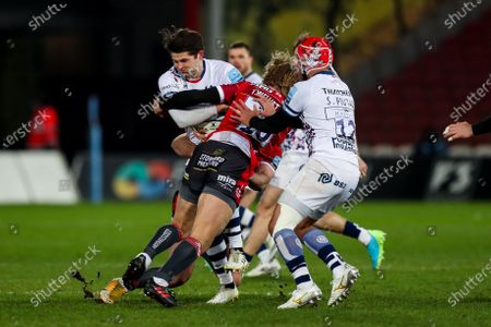 Piers O'Conor of Bristol Bears is tackled by Billy Twelvetrees of Gloucester Rugby