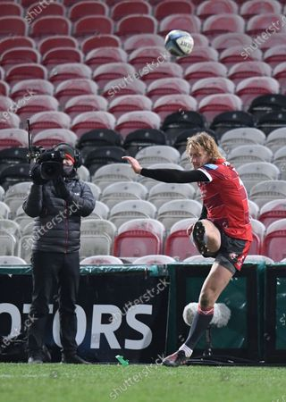 Billy Twelvetrees of Gloucester kicks a conversion; Kingsholm Stadium, Gloucester, Gloucestershire, England; English Premiership Rugby, Gloucester versus Bristol Bears.