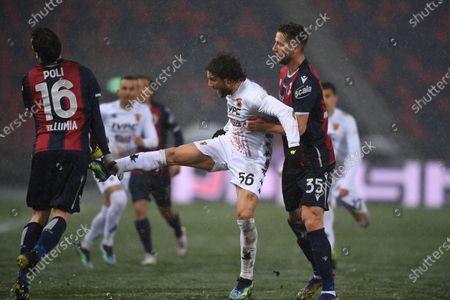 "Andrea Poli (Bologna)Perparim Hetemaj (Benevento)Mitchell Dijks (Bologna)        during the Italian ""Serie A"" match between Bologna 1-1 Benevento  at  Renato Dall Ara Stadium in Bologna, Italy."