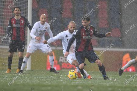 """Andrea Poli (Bologna)Pasquale Schiattarella (Benevento)        during the Italian """"Serie A"""" match between Bologna 1-1 Benevento  at  Renato Dall Ara Stadium in Bologna, Italy."""