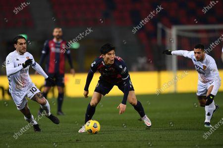 """Nicolas Viola (Benevento)Takehiro Tomiyasu (Bologna)Gianluca Caprari (Benevento)          during the Italian """"Serie A"""" match between Bologna 1-1 Benevento  at  Renato Dall Ara Stadium in Bologna, Italy."""