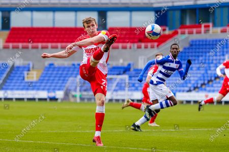 Jon Dadi Bodvarsson (22) of Millwall shoots towards the goal during the EFL Sky Bet Championship match between Reading and Millwall at the Madejski Stadium, Reading