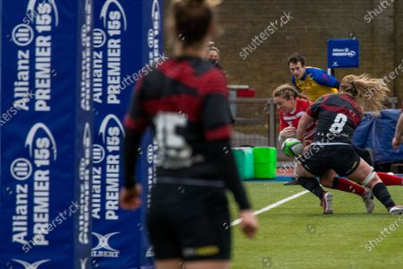 Kelly Smith (#14 Gloucester-Hartpury Women) knock on on the in goal