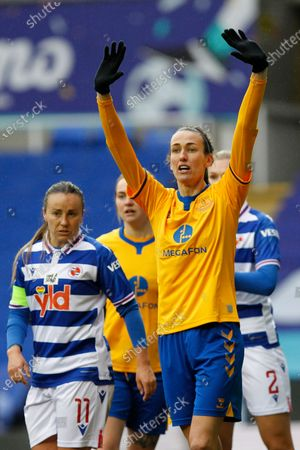 Jill Scott of Everton Women (on Loan from Manchester City) holds her arms up during Barclays FA Women's Super League between Reading and Everton at Madejski Stadium , Reading UK on 14th February 2021  (Photo by Action Foto Sport/NurPhoto)