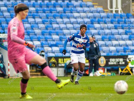 Danielle Carter (#18 Reading) chases down Tinja-Riikka Korpela (#23 Everton) for the ball