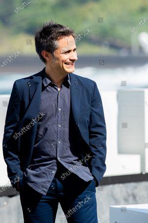 Gael Garcia Bernal attend 'Wasp Network (La Red Avispa)' photocall during 67th San Sebastian International Film Festival on September 27, 2019 in San Sebastian, Spain. (Photo by Manuel Romano/NurPhoto)