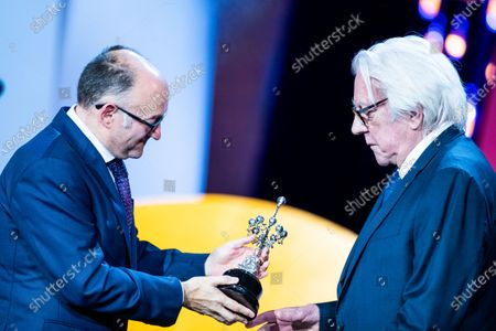 Director of San Sebastian Film Fesitval José Luis Rebordinos delivers the Donostia Award to American actor Donald Sutherland during 67th San Sebastian Film Festival on September 26, 2019 in San Sebastian, Spain. (Photo by Manuel Romano/NurPhoto)