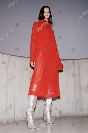 A Model wearing an outfit from the Womens Ready to wear, pret a porter, collections, winter 2021 2022, original creation, during the Womenswear Fashion Week in New York, from the house of Victoria Beckham