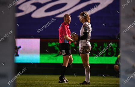 Stock Picture of Billy Twelvetrees of Gloucester talks to Referee Wayne Barnes between plays; Recreation Ground, Bath, Somerset, England; English Premiership Rugby, Bath versus Gloucester.