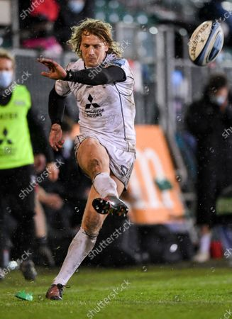 Billy Twelvetrees of Gloucester is unable to convert the try; Recreation Ground, Bath, Somerset, England; English Premiership Rugby, Bath versus Gloucester.