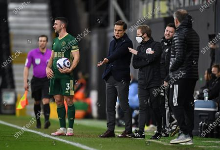 Fulham manager Scott Parker complains to the fourth official