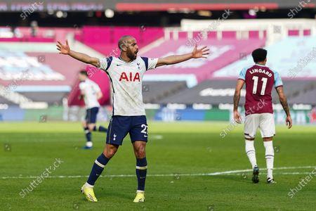 Lucas Moura of Tottenham Hotspur celebrates scoring a goal to make it 2-1