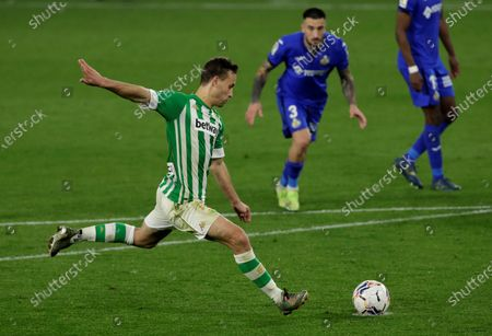 Betis' Sergio Canales in action during the Spanish LaLiga soccer match between Real Betis and Getafe CF held at Benito Villamarin stadium, in Seville, southern Spain, 19 February 2021.