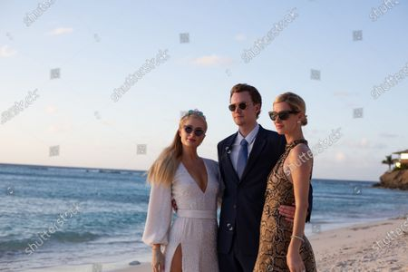 Exclusive - Paris Hilton, Barron Hilton II and Nicky Hilton Rothschild