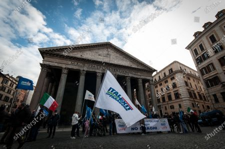Activists of the former M5S movement Gianluigi Paragone demonstrate in Piazza del Pantheon against Prime Minister Mario Draghi and Europe.