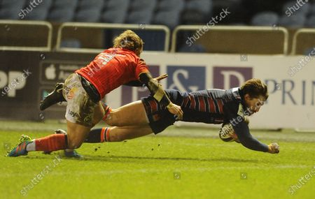 Henry Pyrgos - Edinburgh scrum half gets his try chalked off for a earlier lock on in  the move