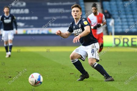 Millwall midfielder Ben Thompson(8)  plays a pass  during the EFL Sky Bet Championship match between Millwall and Wycombe Wanderers at The Den, London
