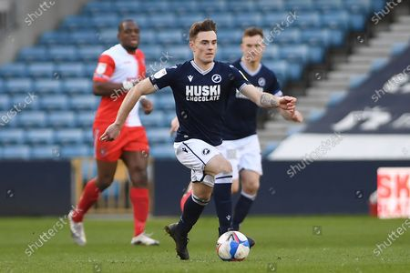 Millwall midfielder Ben Thompson(8)  runs forward during the EFL Sky Bet Championship match between Millwall and Wycombe Wanderers at The Den, London
