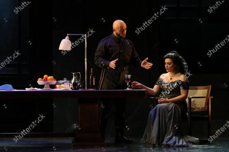 Carmen Giannattasio in the role of Tosca and Marco Vratogna in the role of Scarpia.