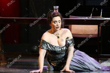 Carmen Giannattasio in the role of Tosca