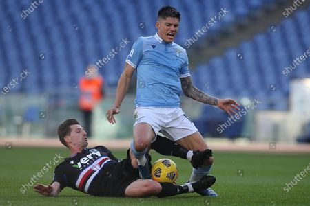 Adrien Silva (Sampdoria), Joaquin Correa in action