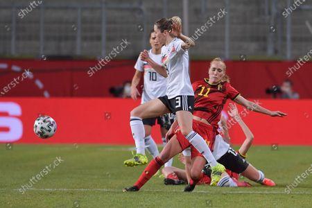 Janice Cayman (11) of Belgium and German Kathrin Hendrich (3)