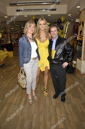 Stock Picture of Rosanna Davison Pictured with her mother Diane and Father Chris de Burgh