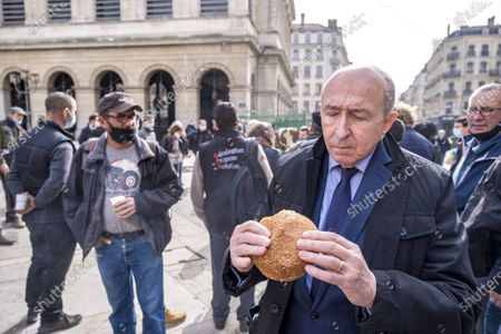 Former Mayor Gerard Collomb came to support angry farmers.
