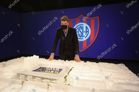 The San Lorenzo club presented the model of the project of its new stadium so that it can be visited by fans and residents of the Boedo neighborhood.The presentation was attended by the President of the Club (President of the Argentine Soccer League and TV Presenter) Marcelo Tinelli