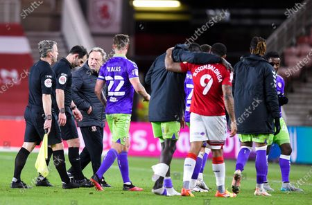 Manager Neil Warnock of Middlesbrough confronts Referee Tim Robinson at the end of the game