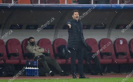 Atletico Madrid manager Diego Simeone gestures on the touchline