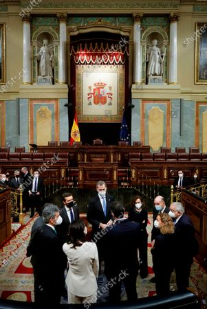 King Felipe VI, First Vice President of the Government, Carmen Calvo (4th), one of the fathers of the Constitution, Miquel Roca (2nd), the President of the Constitutional Court, Juan Jose Gonzalez Rivas (r), the President of Congress, Meritxell Batet (4th), the President of the Government, Pedro Sanchez; the president of the Senate, Pilar Llop (2l), the president of the Supreme Court, Carlos Lesmes (l), one of the fathers of the Constitution, Miguel Herrero and Rodriguez de Minon (3l) and the president of the Popular Party, Pablo Casado ( 4l)