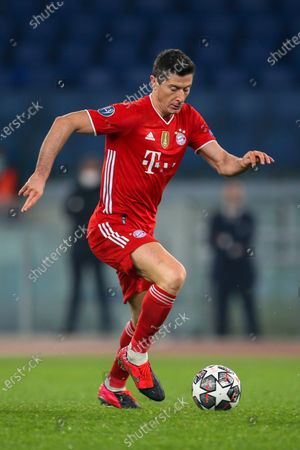 Robert Lewandowski of Bayern München in action during the UEFA Champions League Round of 16 match between Lazio Roma and Bayern München at Olimpico Stadium on February 23, 2021 in Rome, Italy. Bayern München won the match 4-1.